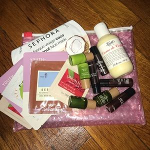 Glossier Pouch + Samples
